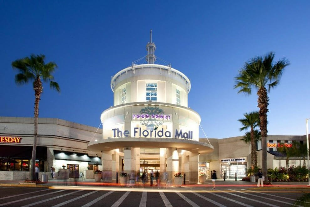 florida mall outside pic.jpg